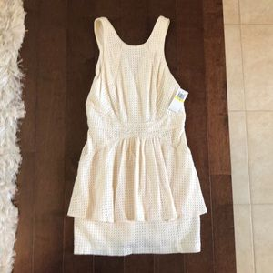 Adorable mesh style dress from Addison size medium